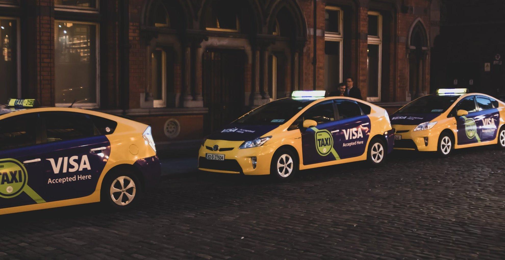 taxi ads fleet temple bar
